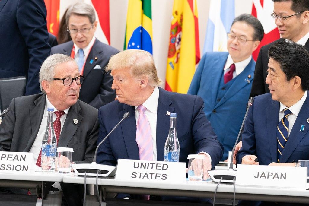 https://www.lobbycontrol.de/wp-content/uploads/1024px-President_Trump_Juncker_at_the_G20_48144165472.jpg