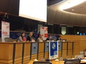 Bei der Vorstellung der Studie (von Links nach rechts): Angélique Hardy (Mitarbeiterin von Monika Macovei MdEP), Evelyn Regner MdEP, Paul de Clerck (ALTER-EU), Bernd Biervert (stellvertretender Kabinettschef in der Europäischen Kommission), Prof. Dr. Markus Krajewski (Universität Erlangen-Nürnberg)
