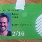 Das Foto zeigt den Hausausweis von Timo Lange von LobbyControl. LobbyControl ist in der Verbändeliste des Bundestages registriert und kann deshalb bis zu fünf Hausausweise beantragen.