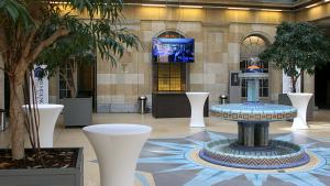Das Bild zeigt das Foyer des Residence Palace, in dem die Bertelsmann Stiftung in Brüssel sitzt.