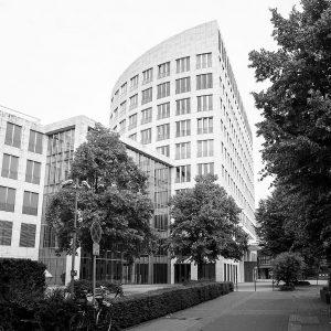 Das Bild zeigt die Zentrale des E.ON Konzerns in Düsseldorf.