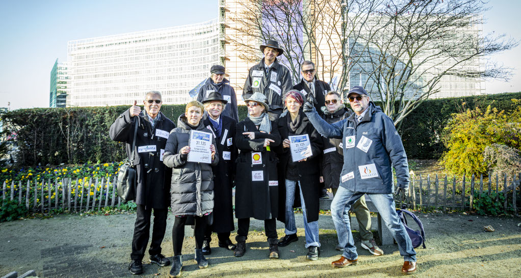 Zusammen mit unseren UnterstützerInnen in Brüssel