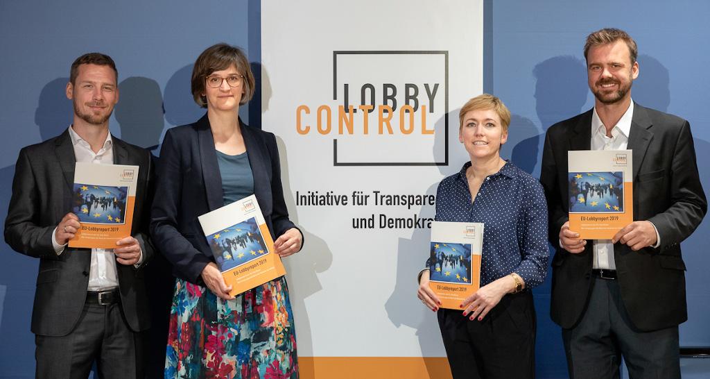 Bei der Pressekonferenz zur Veröffentlichung des EU-Lobbyreports