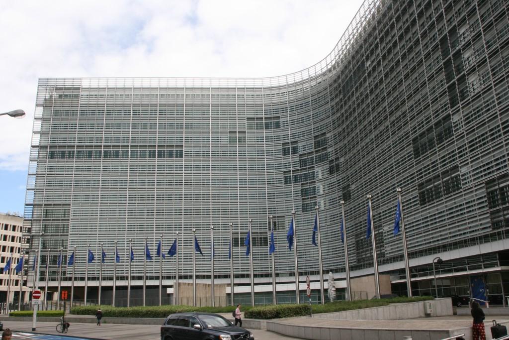 Das Bild zeigt das Berlaymont-Gebäude der EU-Kommission in Brüssel. In diesem Gebäude sitzen alle Komissare mit ihren Kabinetten.