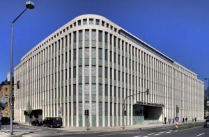 """Das Foto zeigt das Institut der deutschen Wirtschaft in Köln. Das industriefinanzierte Insitut steckt hinter dem Internetportal """"Wirtschaft und Schule."""""""