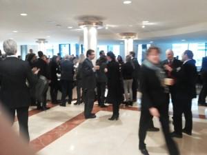 Das Bild zeigt eine der Kaffeepausen während der TTIP-Konferenz von Forum Europe.