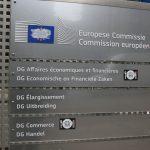 Schild am Eingang mehrerer Direktionen der EU-Kommission in Brüssel