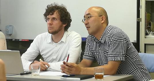 Max Bank beim Vortrag in Tokio