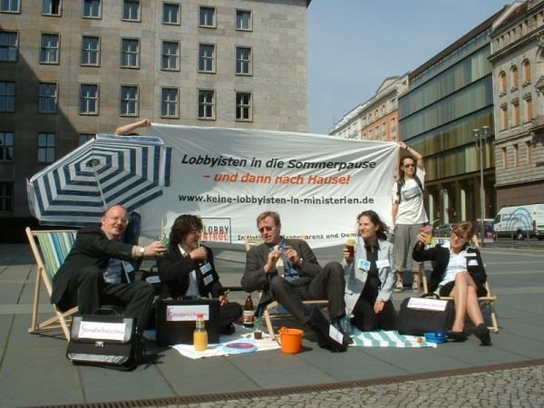 Foto von der Aktion Keine Lobbyisten in Ministerien am 26. Juli 2007