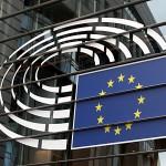 Das Bild zeigt einen Ausschnitt des EU-Parlamentsgebäudes in Brüssel. Der Rechtsausschuss des Parlaments stimmt kommende Woche über die Richtlinie zu Geschöftsgeheimnissen ab.