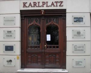 Karlsplatz 7 in Berlin. Hier residiert die Agentur BKP und die NTSA