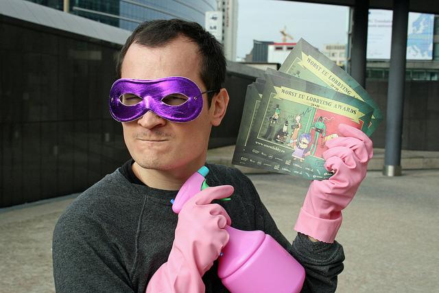 Antoine als Lobby-Putzer - schließen Sie sich ihm an: www.worstlobby.eu/de
