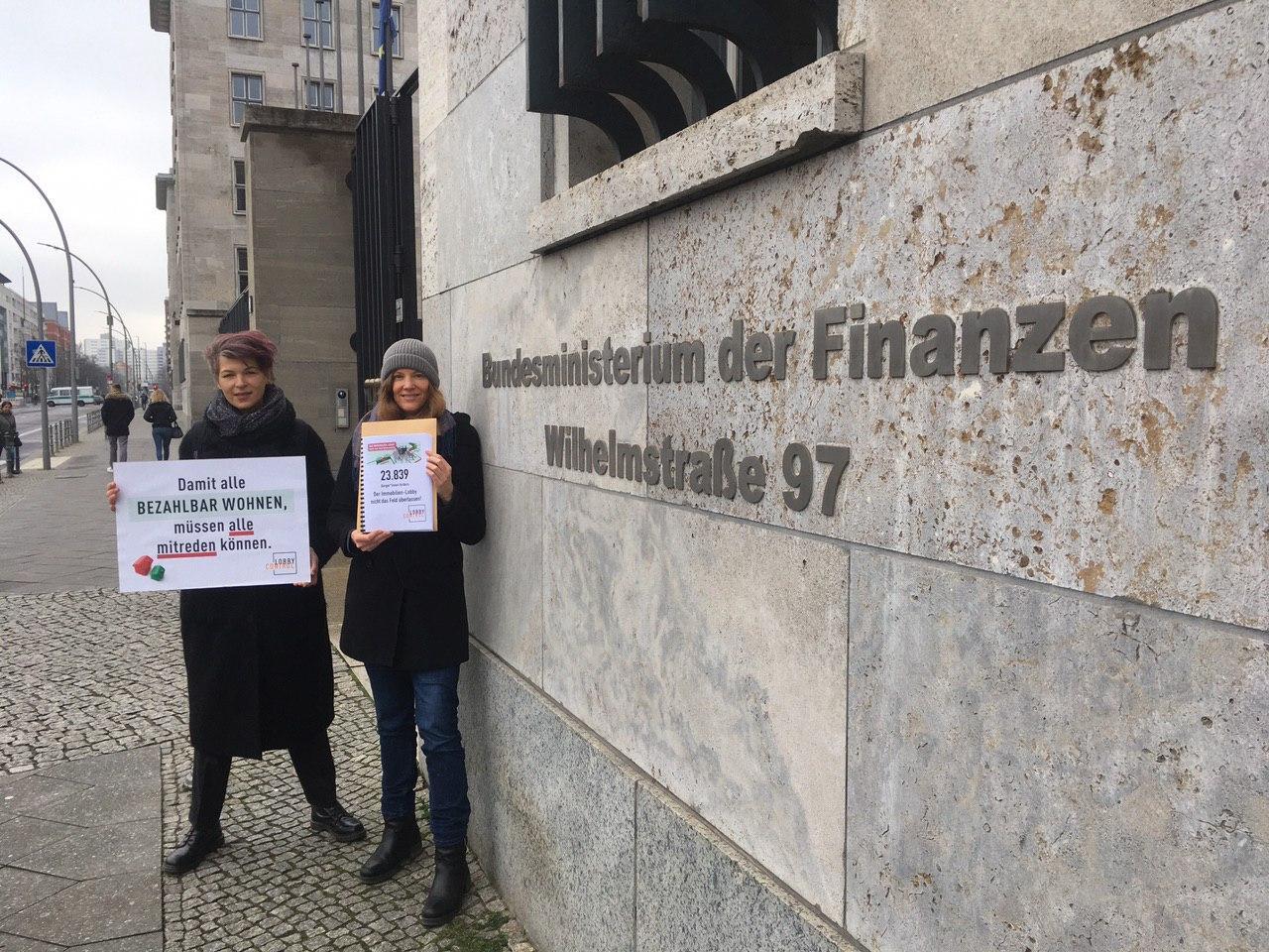 Übergabe Wohnaktion Finanzministerium